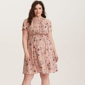 Torrid Size 5 Blush Floral Chiffon Dress